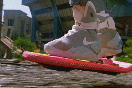 人类没等到《回到未来》里的那天,但磁浮滑板已经先行 | NEXT Big