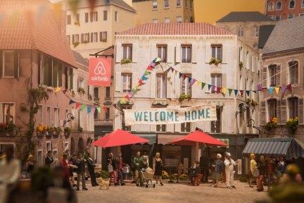 传 Airbnb 正进行新一轮融资,估值在 300 亿美金