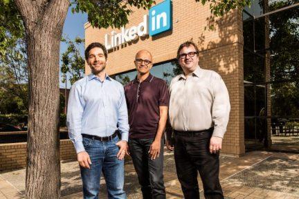 微软将以 262 亿美元现金收购 LinkedIn,后者将保持独立品牌独立运营